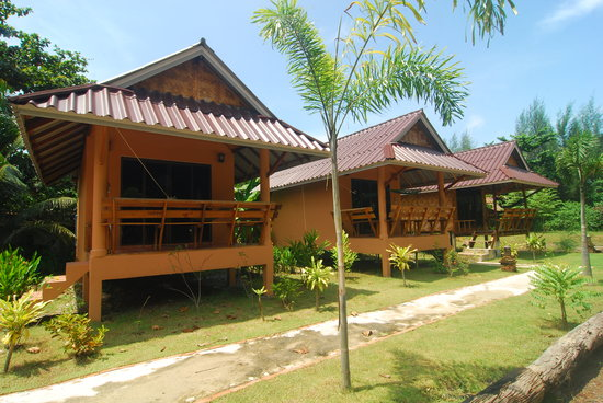 Lanta Pearl Beach Resort: Private Bungalows