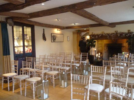 The Kings Hotel Chipping Campden Restaurant Wedding Venue