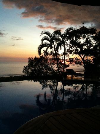 Cristal Azul: The pool at sunset!