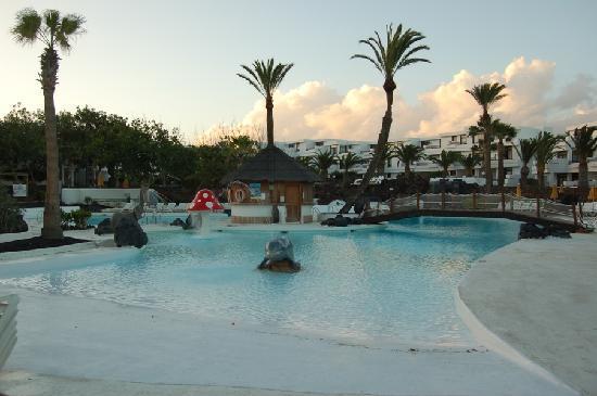 H10 Suites Lanzarote Gardens: The hotel