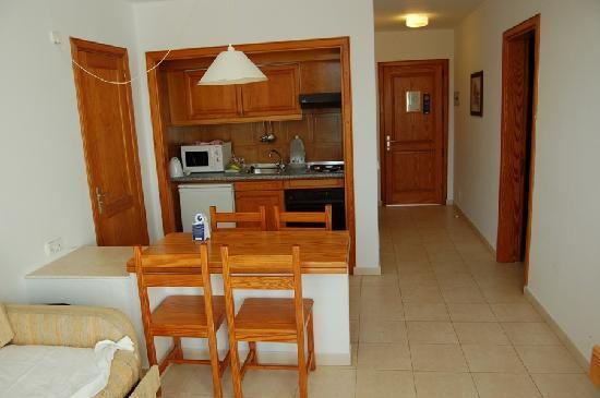 H10 Suites Lanzarote Gardens: kitchenette