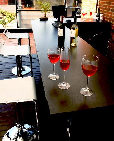 Suites 108: Bar Terraza