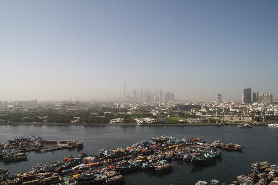 Hilton Dubai Creek: Ausblick Dachterasse