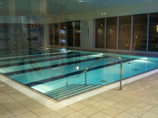 Holiday Inn Oxford: pool picture