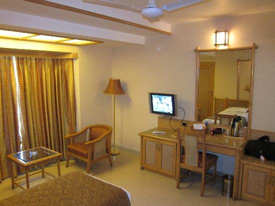 FabHotel Shivajinagar: Executive room (2)