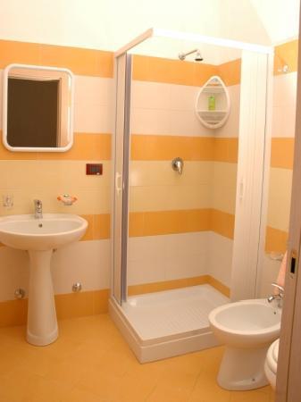 L'Antica Torre: bagno interno camera