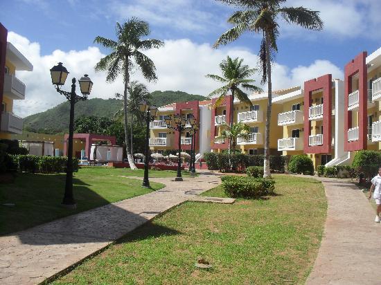 Hesperia Playa El Agua: zona de habitaciones premium