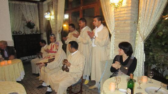 Riad Louna: groupe traditionnel le 31/12