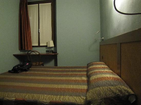 Zurigo Hotel: camera