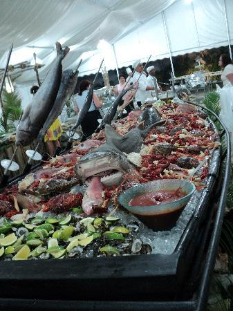 The Tropical at Lifestyle Holidays Vacation Resort: V.I.P. Party Seafood display.