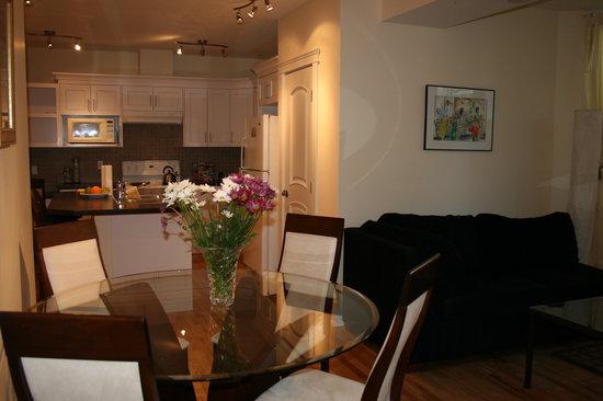 Kensington Executive Suite: Dining & Kitchen Space