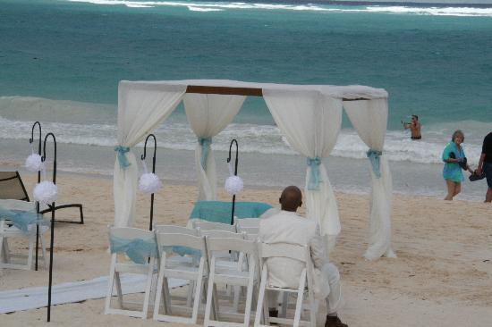 Paradisus Punta Cana Resort : Beachside Wedding