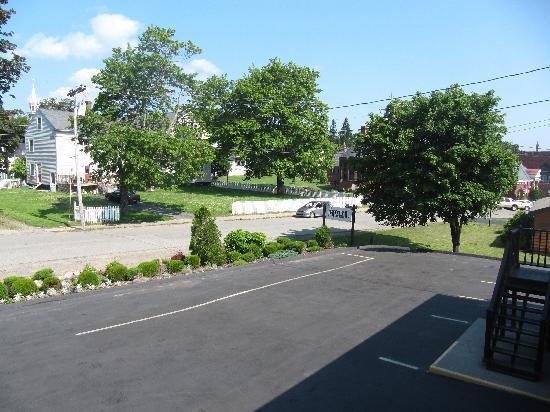 parking area at Motel East