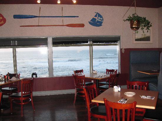 Surfrider Restaurant & Lounge : Surfrider restaurant Depoe Bay
