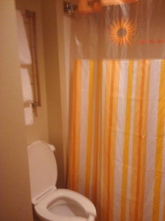 La Quinta Inn & Suites Miami Cutler Bay: bathroom