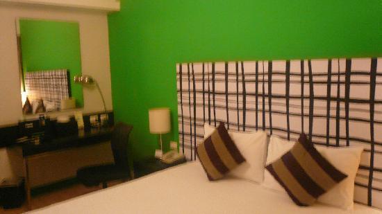 Chaydon Bangkok: clean beddings, clean room, ac, lcd tv, ref, clean bathroom