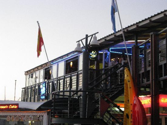 Double Dutch B & B: JJ's Restaurant an der Waterfront