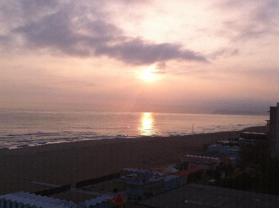 Gemma: L'alba dal mio terrazzino privato prima di uscire a lavoro... indimenticabile