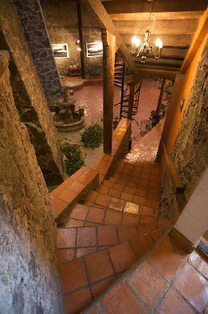 El Meson de los Poetas : another stairwell