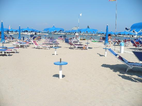 Hotel Cadiz : uau...spazio, in spiaggia....