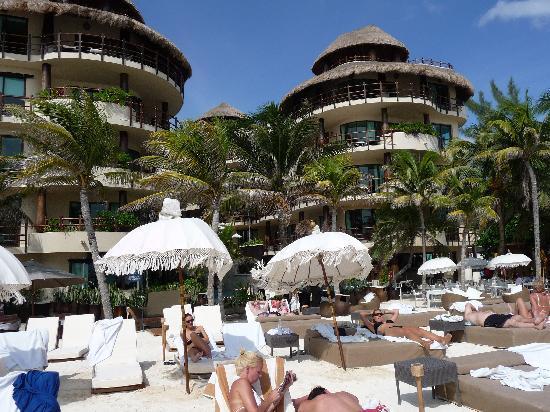 El Taj Oceanfront & Beachside Condos Hotel: Hotel eigener Beachclub