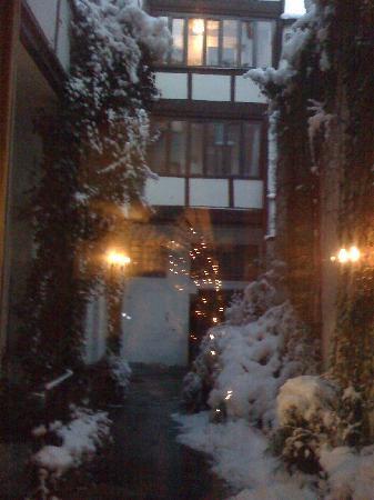 Hotel Am Josephsplatz: Lobby Christmas tree