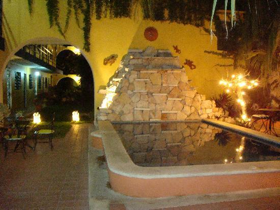 Hotel Mucuy: piscine la nuit