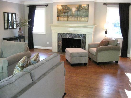 Charlottesville Corporate Living: Living room