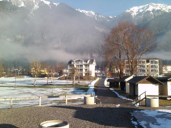 Appartements De Luxe Schluga: view from lakeside