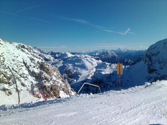 Appartements De Luxe Schluga: Great skiing area Nassfeld