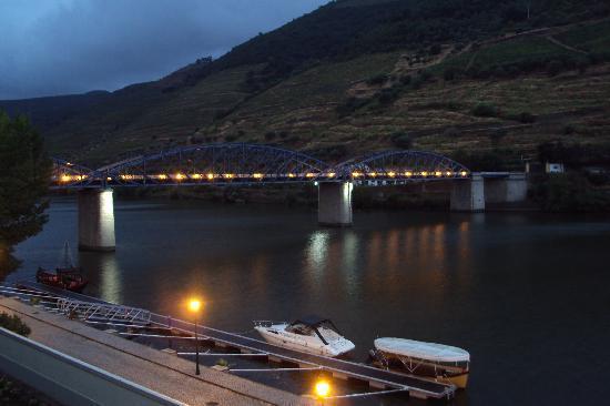 The Vintage House Douro: Vista do Quarto