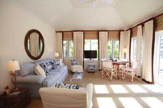 The Dunmore: Cottage Suite - Living Area