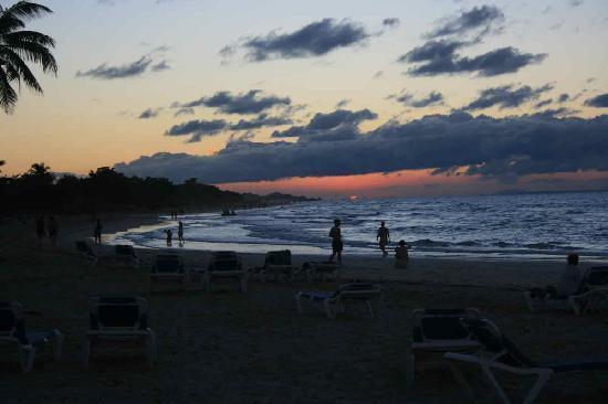 Paradisus Varadero Resort & Spa: the beach at sunset