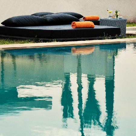 Sirayane Boutique Hotel & Spa: bed autour de la piscine