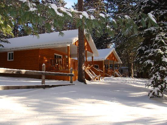 Pine Cliff Resort : Cottages #7 & #8 in Winter