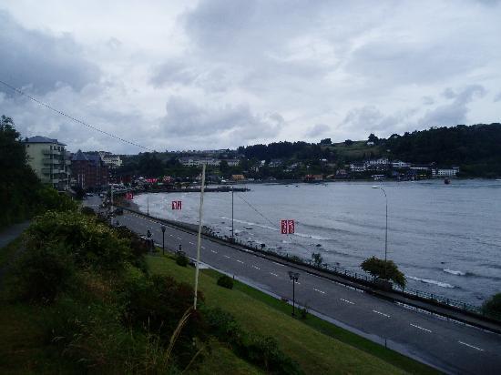 Hotel Cumbres Puerto Varas: Vista desde la habitacion 507