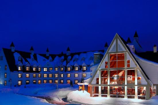 Sainte Anne des Monts, Kanada: Main lodge in winter