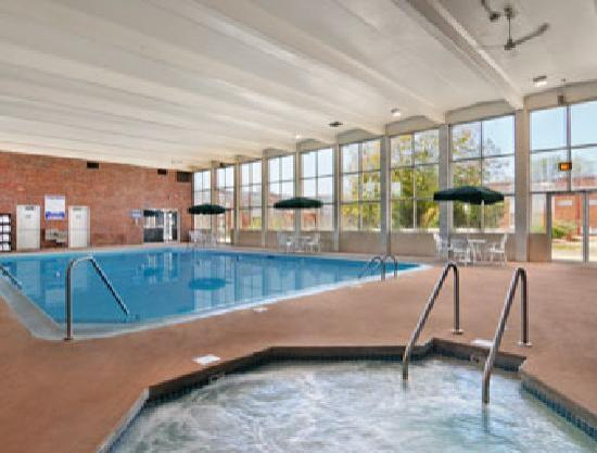 Days Inn La Crosse Conference Center: Largest Indoor Pool in the Area