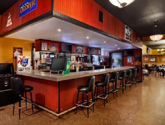 Days Inn La Crosse Conference Center: Interavtive Bar & Grill