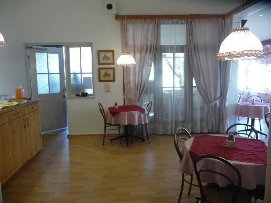 Hotel Pension d'Avignon : Frühstücksraum