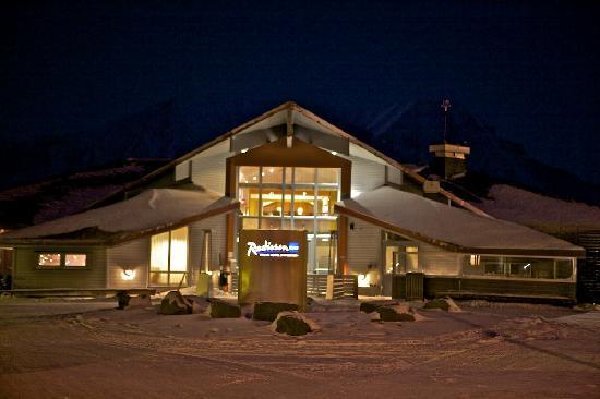 Radisson Blu Polar Hotel, Spitsbergen, Longyearbyen: SAS Polar-Hotel - Eingang