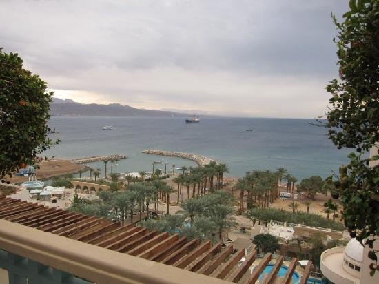 Herods Palace Hotel Eilat: view of Red Sea from our lovely 10th floor suite patio
