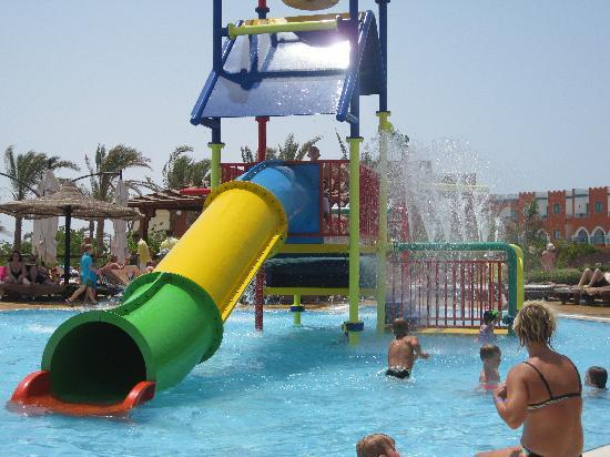 Coral Sea Holiday Village: kids pool