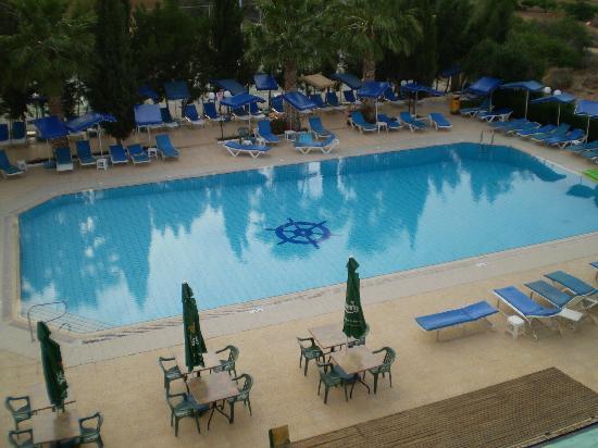 Kapetanios Bay Hotel: pool