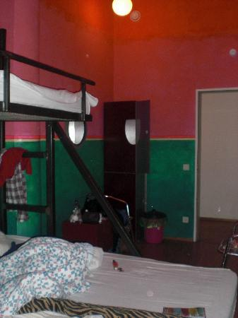 Heart of Gold Hostel: Room 211