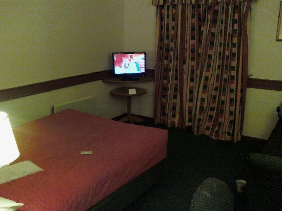 Ramada Oxford: Room 9