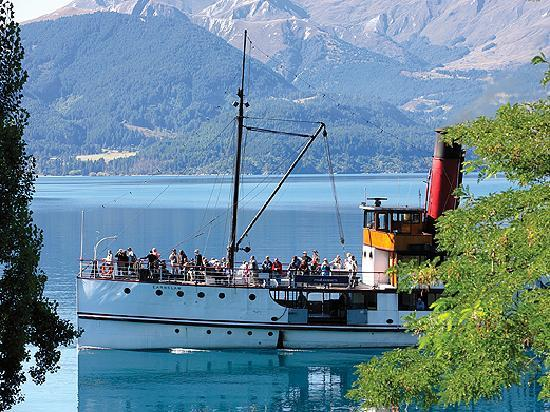 Real Journeys: TSS Earnslaw Vintage Steamship