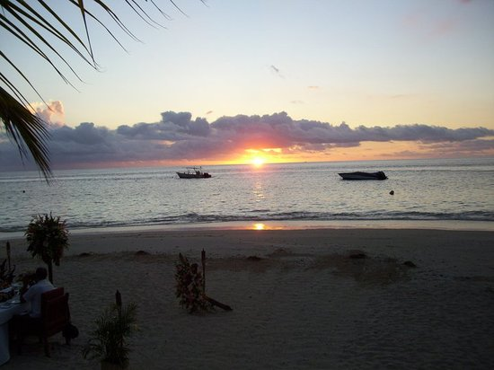 Castaway Island (Qalito), Fiji: Another amazing sunset during dinner