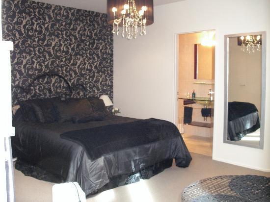 Oriental Bay Bed & Breakfast: Versace Room