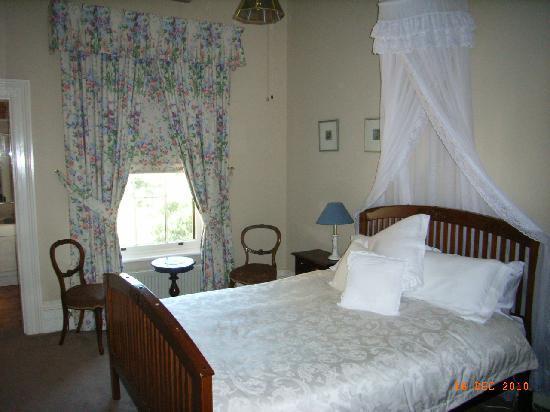 Koendidda Country House: iron bark room